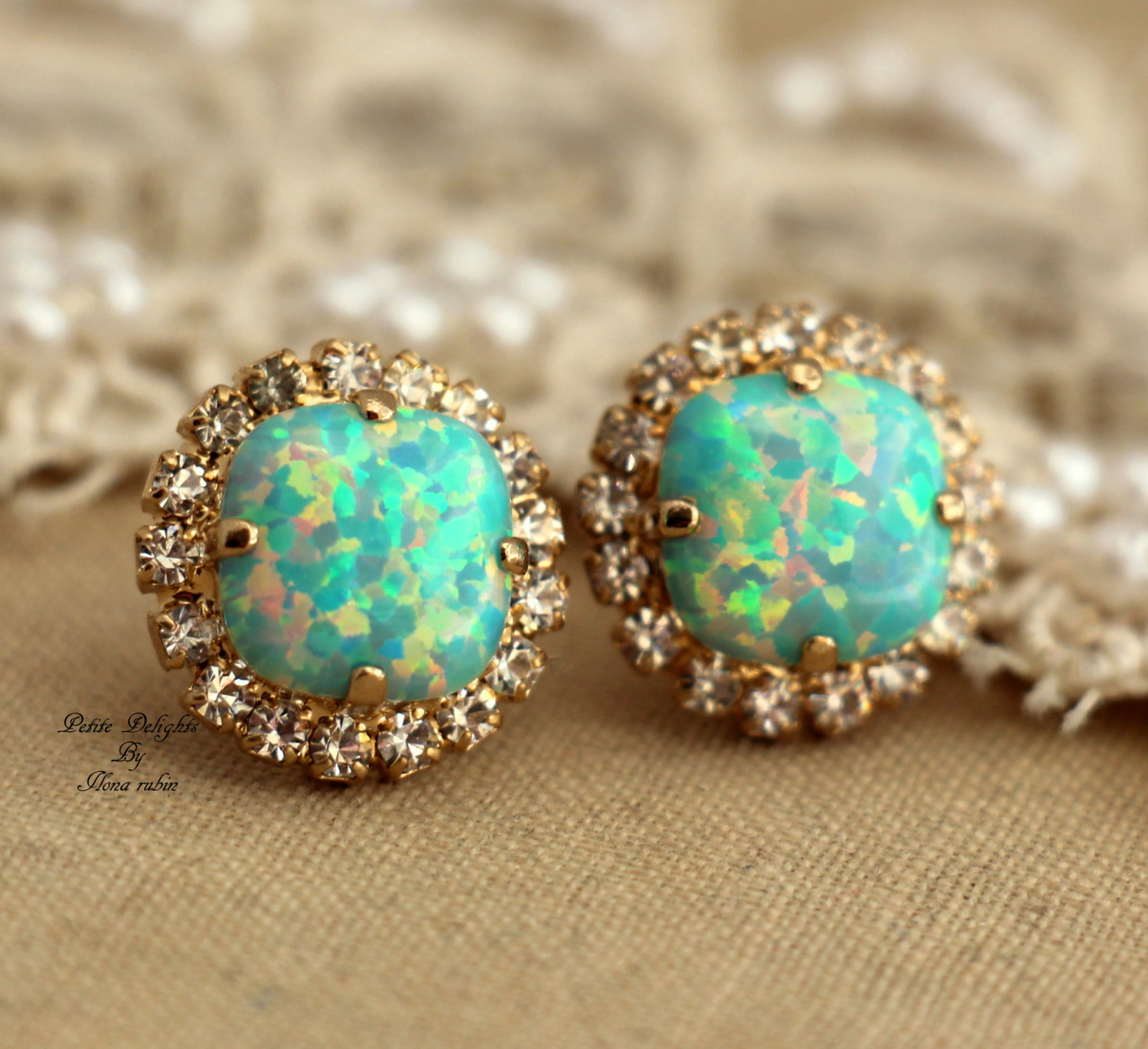 wow mint opal stud green crystal earrings gold swarovski rhinestones ebay. Black Bedroom Furniture Sets. Home Design Ideas